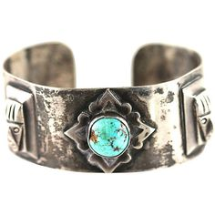 Pre-Owned Aztec-Style Turquoise Cuff Bracelet (600 CAD) ❤ liked on Polyvore featuring jewelry, bracelets, preowned jewelry, cuff jewelry, turquoise bangle, aztec jewelry and green turquoise jewelry