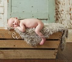 Neutral Baby Blanket Newborn Photography Prop. Fur por BabyBirdz