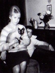 Cynthia Lennon & John Lennon celebrities-with-cats