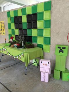 DIY Minecraft Party Ideas - cake, party favors, and characters!