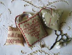 almohadillas fobs ornaments punto de cruz cross stitch point de croix