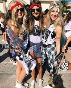 Alpha Chi Omega at University of San Diego Disco Theme Parties, Disco Party, 90s Theme Party Outfit, 80s Party Outfits, 70s Outfits, 80s Rock Fashion, Fotos Pin Up, Decades Costumes, Estilo Gangster