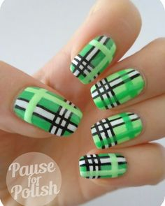 Plaid manicure is always in fashion, and that independent of what time of year is. With a little effort, you can do it to yourself in your home.