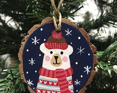 Eisbärenverzierung – My CMS Wooden Christmas Decorations, Wood Ornaments, Christmas Tree Ornaments, Christmas Mom, Handmade Christmas, Diy Weihnachten, Craft Sale, Holiday Crafts, Etsy