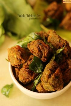 How to make Palak chicken fry recipe South Indian Chicken Recipes, South Indian Breakfast Recipes, Fried Chicken Recipes, Indian Food Recipes, Palak Chicken, Chicken Masala, Rava Upma Recipe, Coconut Chutney, Chaat Masala