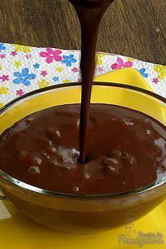 Calda deliciosa de chocolate para servir com sorvete, bolo, fruta ou o que quiser..