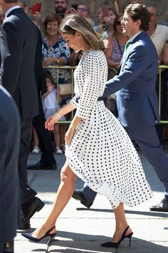 31 Times Queen Letizia Brought Her Regal Style A-Game - Clothes - # Look Fashion, Timeless Fashion, Fashion Outfits, Womens Fashion, Fashion Tips, Queen Fashion, Dress Fashion, Looks Chic, Looks Style