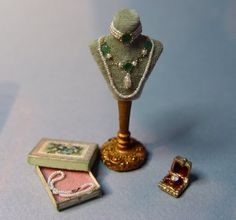 EV Miniatures: Marie Antoinette's Pearls and Pugs.... Lori Ann Potts creations used in a Marie Antoinette roombox