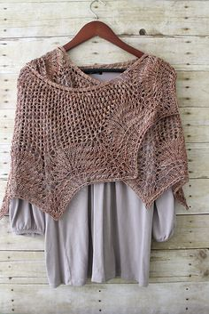 Ravelry: Clair de Lune pattern This is an especially nice version!