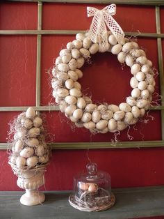 The Messy Roost: Matching Egg Topiary - the eggs look REAL, so cool