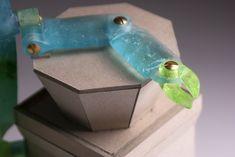 glass robot, height: 31 cm #glass #robot #glassart #glassrobot