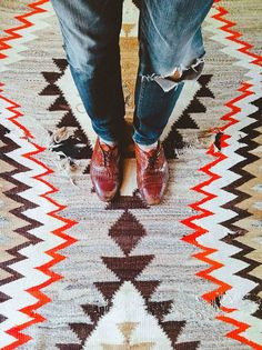 Love this rug! (photo 5-5-2 by d a b i t o, via Flick)