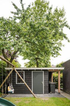 Douglas Houten berging zwart en wit. #berging #schuur #garage #houtbouw Www.buitenpracht-houtbouw.nl