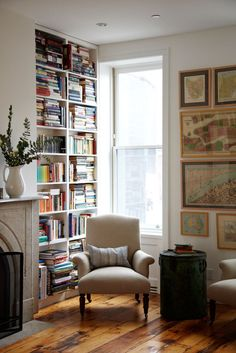 15 Cozy Book Nooks T