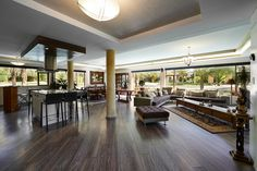 #ModernHomeMonday If you like open spaces, you'll love this property! #realestate