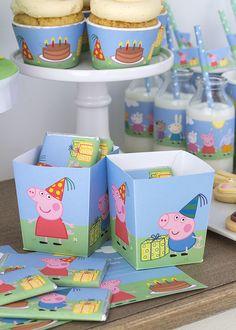 Me encantan los dibujos de Peppa Pig ♥ No me refiero a las historias (aún no he visto ningún capítulo, glups), sino a la estética: sus oji...