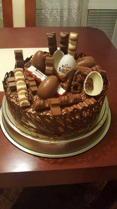 Kinderková torta - Recept Chocolate Explosion Cake, Chocolate Fudge Cake, Chocolate Ice Cream, Sleepover Food, Pretty Birthday Cakes, Starbucks Recipes, Food Cravings, Chocolates, Cake Recipes