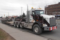 KW W900 TriAxle and 4 axle RGN, nice units, ready to haul !!