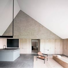 Not a week goes by that @vincentvanduysen has the est hq coveting clean lines and simple, warm spaces. The BS Residence project in Belgium is no exception. | Photography courtesy of Vincent Van Duysen