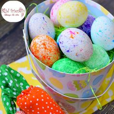 How to Use RICE To Dye Easter Eggs (Super Fun and Easy!) - this is the best. The kids love it and no mess to clean up! www.kidfriendlythingstodo.com