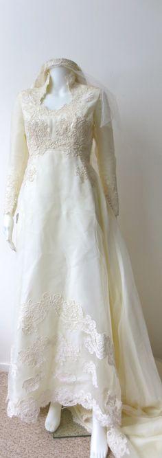 Gorgeous 1950s  Maurer Original  White Lace Wedding by Trixycat, $345.00
