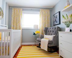 Paleta de cores: cinza, branco e amarelo.