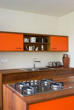 """to get the proper inspiration to decorate and design your Mid Century Kitchen Design. So Checkout Adorable Mid Century Kitchen Design And Ideas To Try"""" Modern Kitchen Design, Interior Design Kitchen, Modern Interior Design, Kitchen Designs, Color Interior, Orange Interior, Contemporary Interior, Home Decor Kitchen, Rustic Kitchen"""