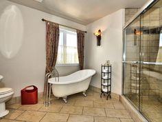 Maison à étages - Via Capitale Condo, Clawfoot Bathtub, Bathroom, Real Estate Broker, Bath, Washroom, Bathrooms