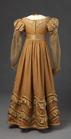 1825, Abendkleid?, aus Seidentaft oder Seidensatin, Deutschland oder Norwegen