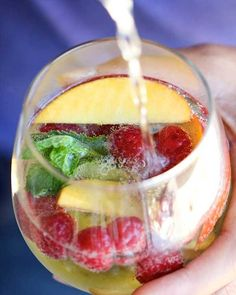 White Sangria Sparkler - From whittling your waist, nixing allergies in the bud, and fighting tummy troubles to improving mental focus, mint wears many hats aside from freshening your breath. And you can easily sneak it into your body without going on a candy cane diet, like say, with a glass of this sangria!