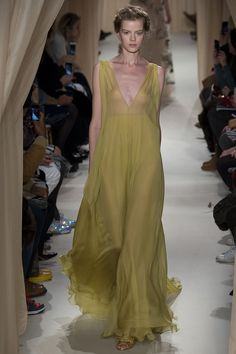 Valentino Spring 2015 Couture Runway – Vogue