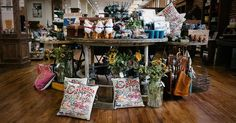 The Pioneer Woman Mercantile is Ree Drummond's beloved restaurant, bakery, and store in the heart of Osage County, Oklahoma. Drummond Ranch, Ree Drummond, Ladd Drummond, Pioneer Woman Kitchen, Texas Roadtrip, Mom Birthday, Get Directions, Shopping Sites, Places Around The World