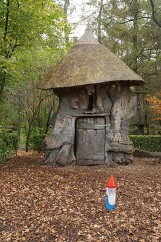 Castle, climbing forest, gnome walk and maze Ruurlo - Gnome path Ruurlo - Natural Building, Travel Goals, Days Out, Maze, Gnomes, Fun Activities, Adventure Time, Playground, Climbing