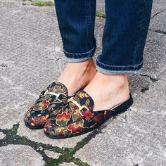 How to Wear Printed Shoes Like A Cool Girl