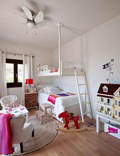 Per l'habitació de la Claudia & Elena. M'encanta la tauleta de nit.