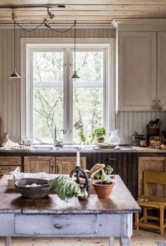 Home Interior Design, Interior And Exterior, Swedish Farmhouse, Places In Italy, Country Life, Country Living, Rustic Kitchen, Modern Rustic, Home Kitchens