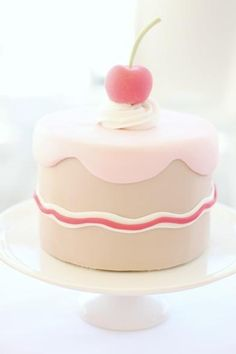 sweet little cake table | Flickr: Intercambio de fotos