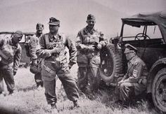 WWII Parachutes are unused so before mission to Crete - Germaniainternational.com