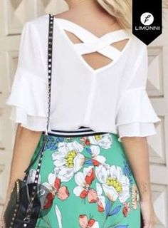 Like the total look Casual Outfits, Cute Outfits, Fashion Outfits, Womens Fashion, Red Blouses, Blouses For Women, Chiffon Blouses, Blouse Styles, Blouse Designs