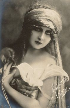 Site in Italian,notes opera 1912, cinema 1915, other films after 1923. A search may reveal dancing history. ALady. Helena MAKOWSKA Gypsy Belly Dancer Orientalist