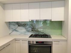 Printed Glass Splashbacks, Modern Kitchen Interiors, Kitchen Cabinets, Kitchen Appliances, False Ceiling Design, Glass Tiles, Bath Ideas, Custom Design, Kitchens