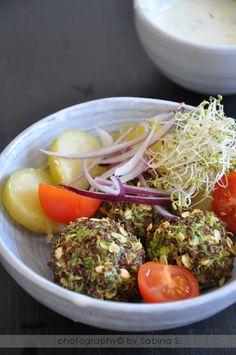 Polpettine di quinoa e zucchine - I will try to prepare this dish very soon #food