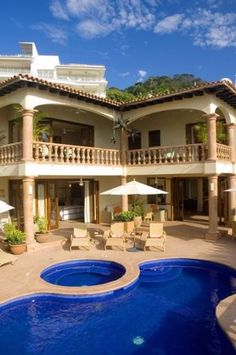 """Luxurious home in Puerto Vallarta. patio style for enclosed """"outside area"""""""