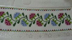 Embroidery Stitches, Rugs, Decor, Cross Stitch, Punto De Cruz, Towels, Dots, Needlepoint, Sombreros
