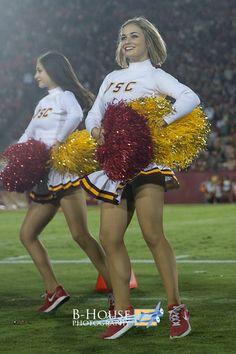 Cheerleader Images, Football Cheerleaders, Cheerleader Girls, University Of Los Angeles, College Cheerleading, Usc Trojans, University Of Southern California, Cheer Pictures, School Dances