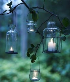 De mørke aftener er oplagte til at sætte ekstra stemning i haven og sprede lys over land. Her giver vi nogle bud på, hvordan du lyser din efterårshave op.