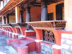 India - Preserving Vernacular Architecture - SkyscraperCity:Bhatkal Navayath Muslim House from Uttara Kannada dist. Kerala Architecture, Vernacular Architecture, Chettinad House, Indian Home Design, Courtyard House Plans, House Elevation, South India, Modern Homes, Creative Food