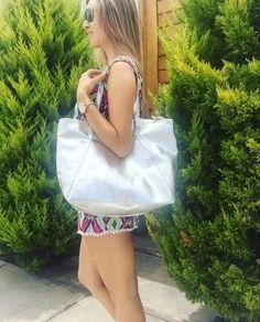 PLUMSHOPONLINE.COM – Carteras de cuero y moda para mujeres de la marca Plum – Compra por internet con envío Gratis a todo Perú e inmediato a todo el mundo. - Shop online your best leather and fashion women's handbags with inmediate world wide shipping #handbags #carteras #handbags #bags #moda #fashion #style #fashion #outfit #clutch #cartera #handbag #bag #leatherhandbags #fashionhandbags #carterasdemoda #carterasparamujer #fashionoutfit #fashionlook #lookdemoda