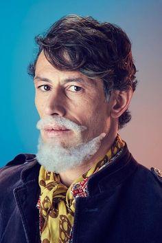 Les Hommes à Barbes En Mousse Du Photographe Mindo Cikanavicius