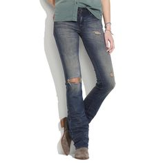 Price ⬇️! Madewell Bootlegger Jeans Horseshoe Wash Madewell Bootlegger Jeans in Horseshoe Wash. One prominent hole on the knee of the right leg; small distressing throughout the jeans. Size is 27 x 34. New with tags!! Madewell Jeans Boot Cut